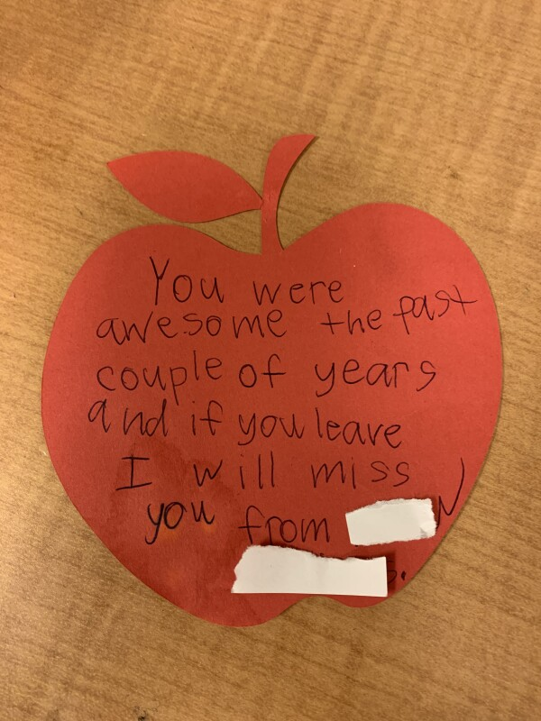 Red apple shaped note